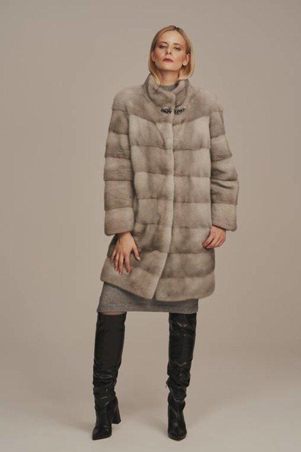 Kožešinový kabát dámský