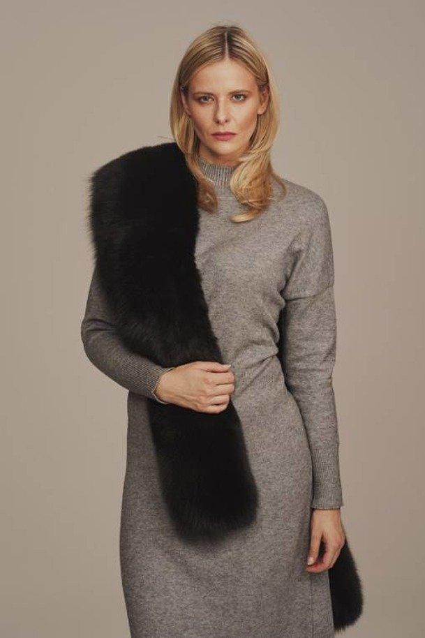Black fox collar