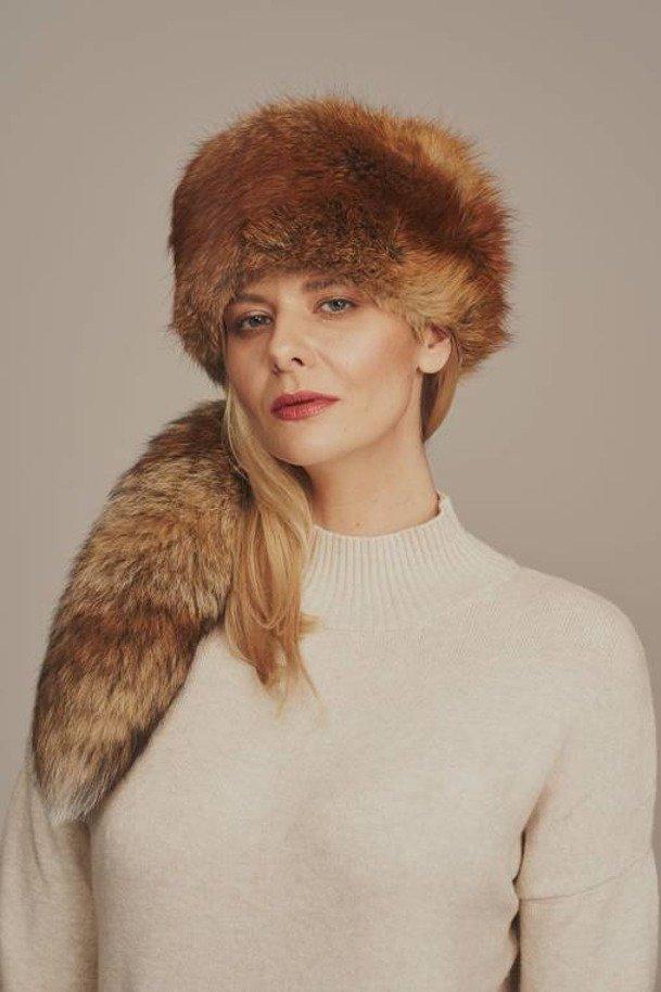 Toczek damski zimowy z naturalnego futra lisa z kitą